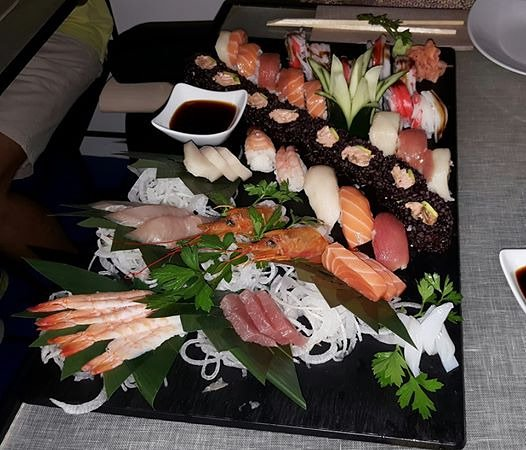 Kukai Capri: Omakase 50 pz - mix sushi e sashimi