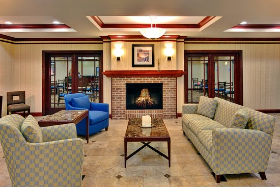 Holiday Inn Express Hotel & Suites Dewitt (Syracuse): Relax in our comfortable lobby