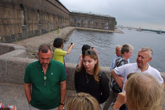 UlkoTours -Day Tours: Our guide sharing her knowledge