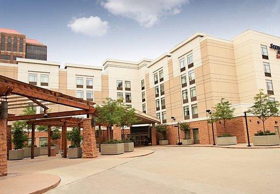 SpringHill Suites Cincinnati Midtown: Entrance