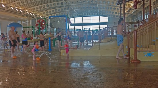 Indoor splash play area with wave pool behind picture of alpamare scarborough scarborough for Indoor swimming pool scarborough