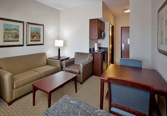 Pittsburg, KS: Suite