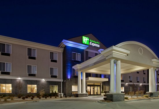Pittsburg, KS: Hotel Exterior