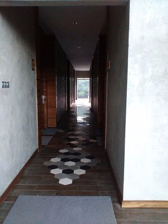 Green Forest Resort: 5th level Hallway at Executive Room Area