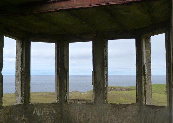 "Belmullet, ไอร์แลนด์: ""Lookout"" from Erris Head"