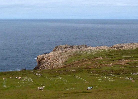 "Belmullet, ไอร์แลนด์: ""Eire"" in white stones"