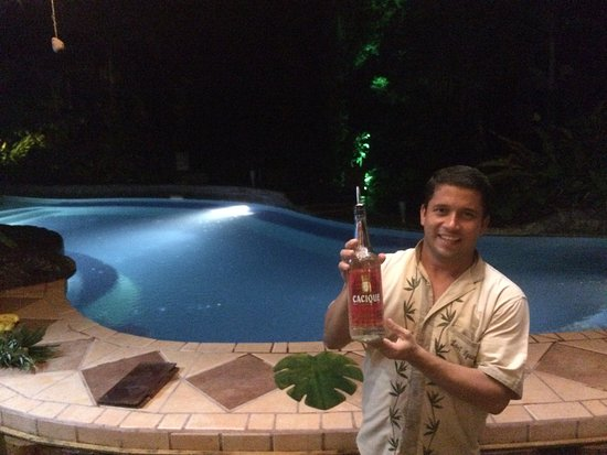 Lost Iguana Resort & Spa: Luis making us feel welcome