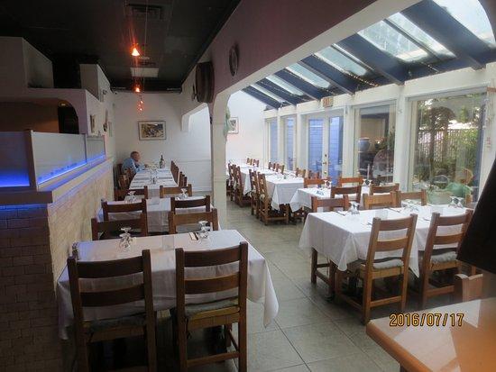 Ladner, Canada: dining room