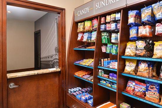 ستايبردج سويتس ستون أووك: The Pantry offers a variety of meals, snacks, beverage and more.