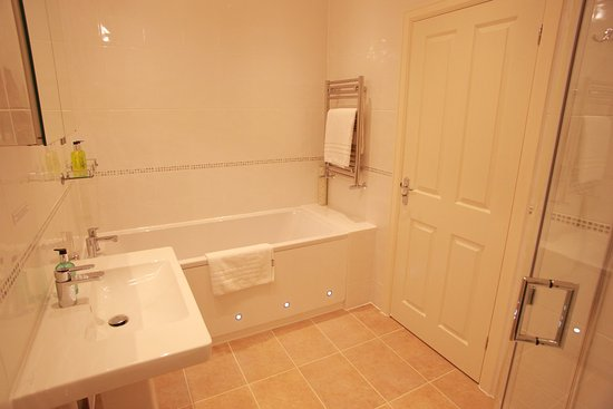 Alveston, UK: Bathroom