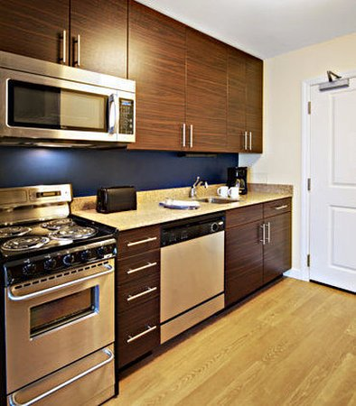 North Kingstown, RI: One-Bedroom Suite Kitchen