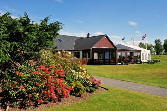Strathmore Golf Centre: Clubhouse