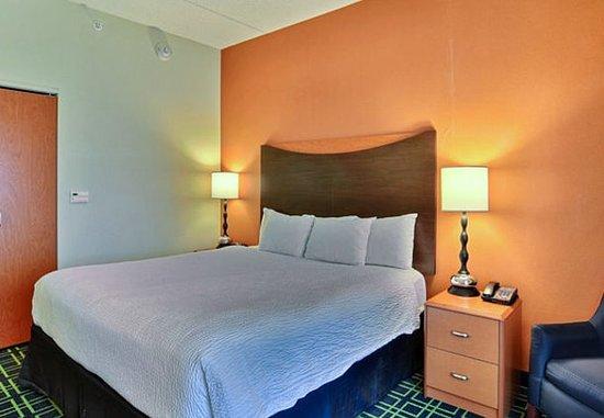Huntingdon, Pensilvania: King Suite – Sleeping Area