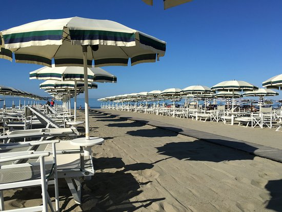 Stabilimento Balneare Bagno Sandro Marina Di Carrara