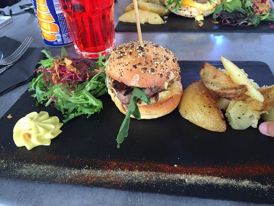 burger enfant burger chorizo l gumes grill s burger us revisit picture of le potard avignon. Black Bedroom Furniture Sets. Home Design Ideas
