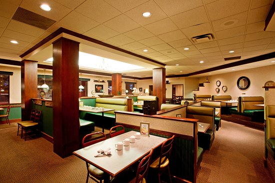 Holiday Inn Conference Ctr Edmonton South: Family dining and all-day breakfast options.