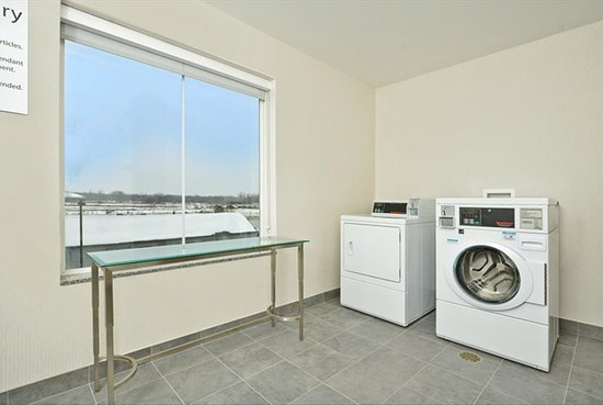 Holiday Inn Express Hotel & Suites Utica: Valet dry cleaning and laundry service also available