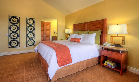 Дель-Мар, Калифорния: Kick back and relax in our spacious King Bed Guest Room