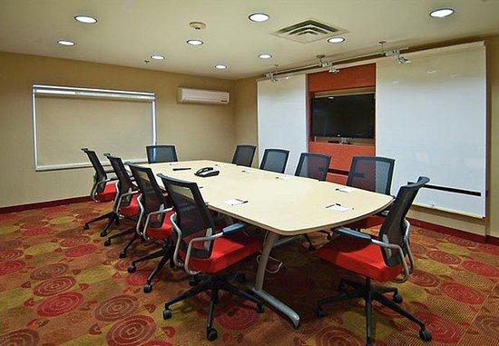 Gonzales, LA: Boardroom