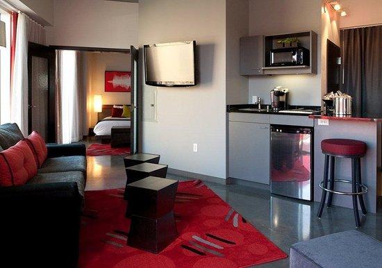 HotelRED: Base