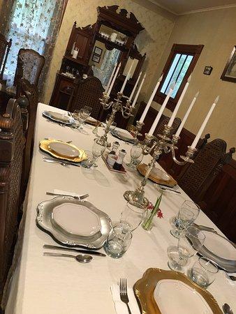 Lake Helen, فلوريدا: Table set for breakfast