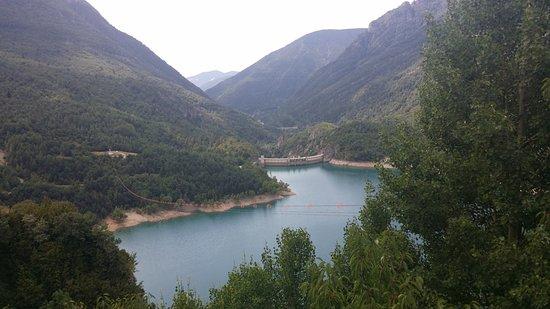 El Pueyo de Jaca, Испания: Vista del trazado de la tirolina