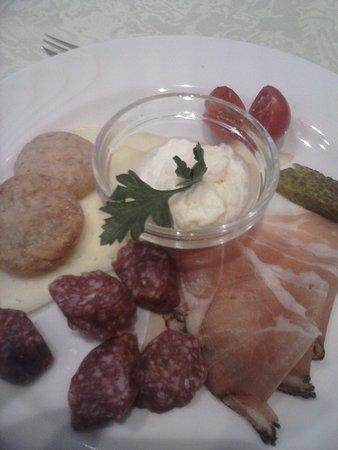 Hotel Kronplatz: antipasto della cena tirolese