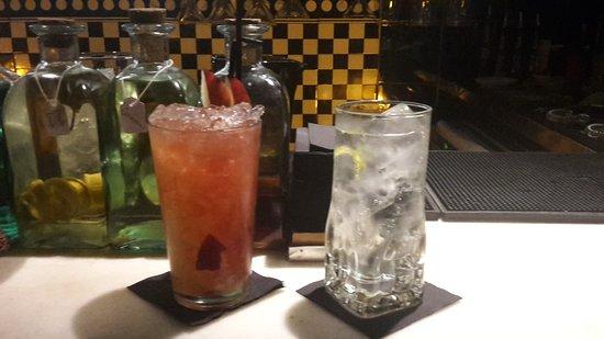 Xixbar Gins & Cocktails
