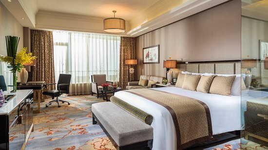 Meishan, China: King Bed Guest Room