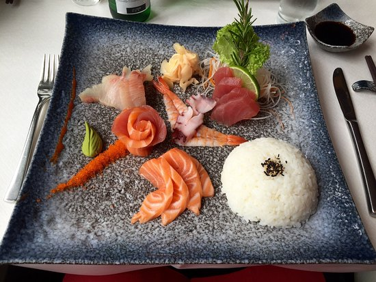YEN'S: Exquisite sashimi, fabulous and genuine service. Will be back soon.