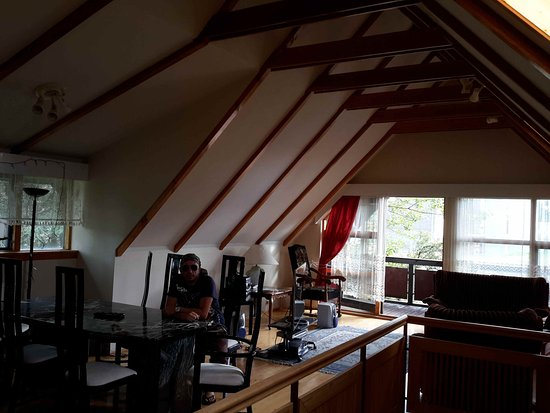 Reykjavik Peace Center - Guesthouse: Alcuni degli ampi spazi comuni.