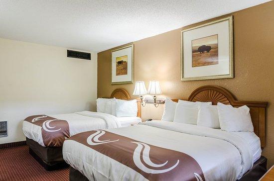 Quality Inn Arkansas City: Guest room