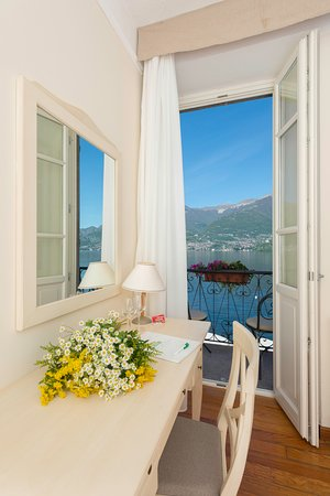 Hotel Villa Aurora : view from a standard lakeview room with little balcony