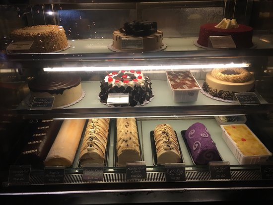 Max's Restaurant - Scout Tuazon: Care for some cake for dessert?