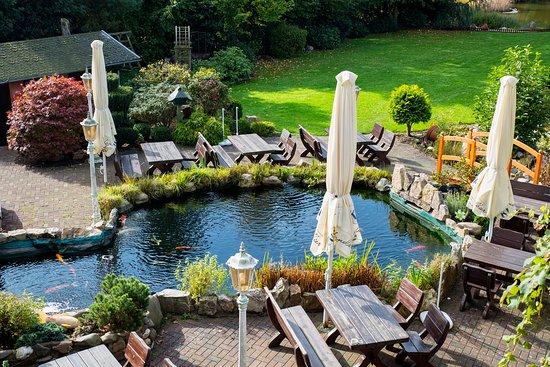 Kempfeld, Allemagne : Terrasse im wunderschönen Garten