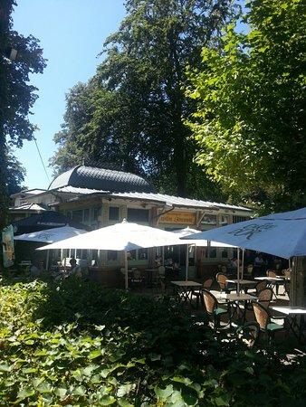 Урьяж-ле-Бен, Франция: Cadre et table de qualité. Déjeuner en terrasse très agréable service efficace et rapide. A reco