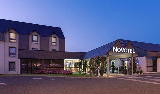Novotel Amboise: entrée de L' hôtel