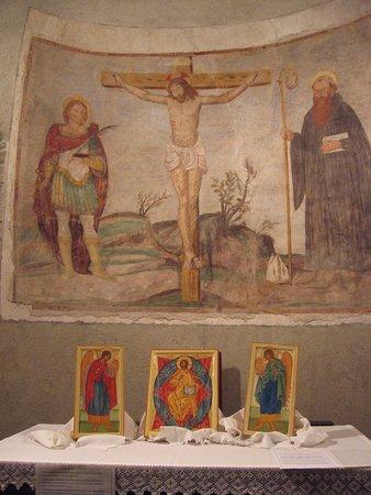 san Celso a Comerio-Crocifisso con santi Celso e Benedetto
