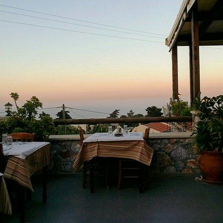 Kefalas, Grecja: Meterizi Taverna