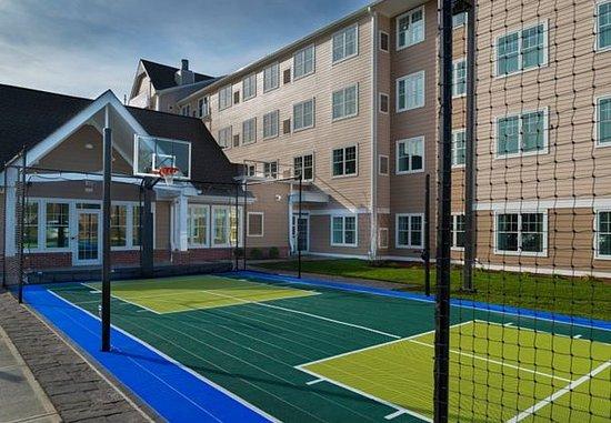 Оранджбург, Нью-Йорк: Sport Court