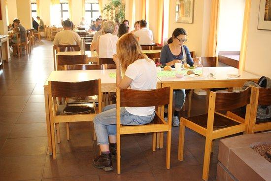 Jugendherberge Wurzburg: big, well organized restaurant