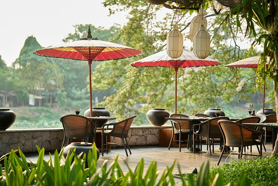 Anantara Chiang Mai Resort: The Restaurant Deck