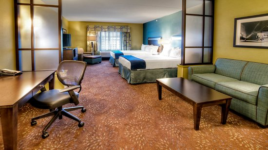 Canonsburg, PA: Superior Room