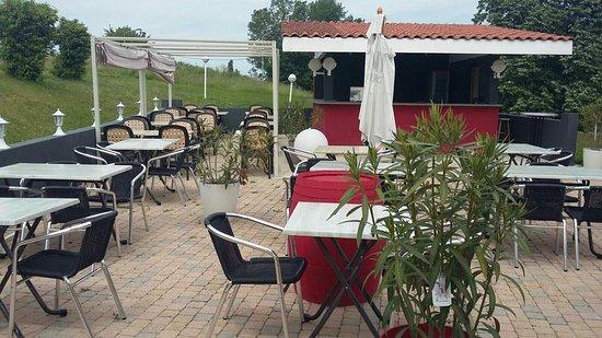 Viriat, Francia: Terrasse