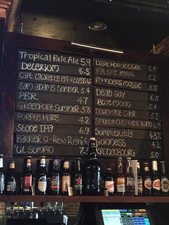 Rockville Centre, estado de Nueva York: Dark Horse Craft Beers