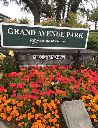 Grand Avenue Park: photo0.jpg