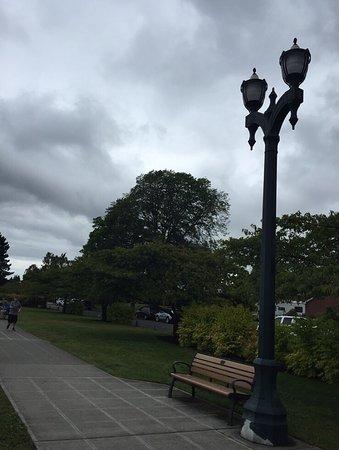 Grand Avenue Park: photo1.jpg