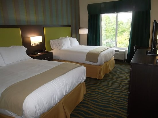 Bolivia, Carolina do Norte: Holiday Inn Express Southport NC Oak Island NC Double Queen Room