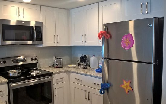 Legacy Vacation Resorts-Indian Shores: Kitchen in room