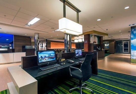 Leavenworth, KS: Business Center
